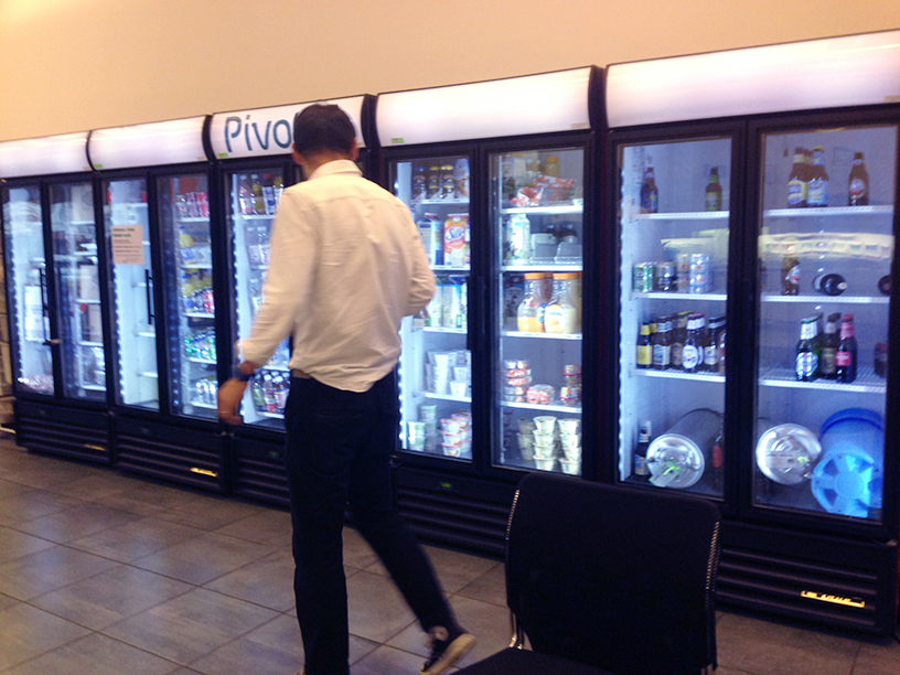 Pivotal Labs in NYC offers a full kitchen with snacks, drinks, beer and more
