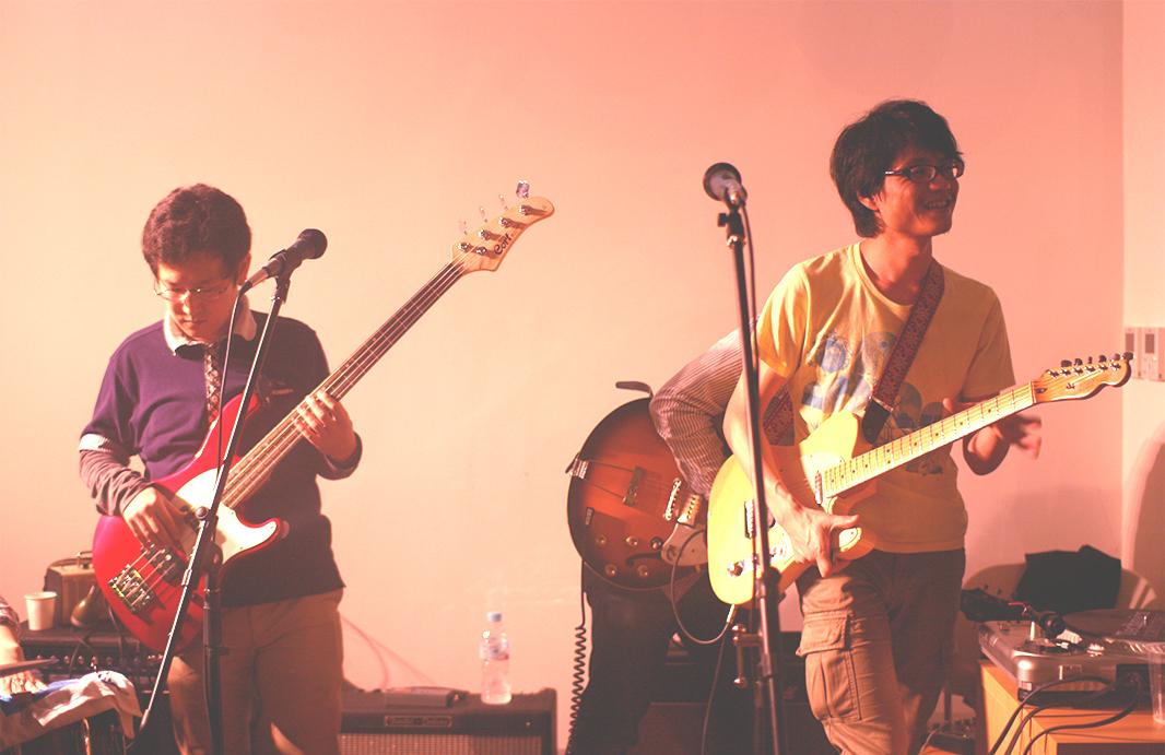"Hiroshi Matsuoka & Ryuzo ""The Dragon"" Yamamoto hold an office jam session"