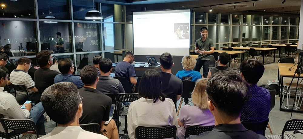 Admond Lee speaking at Nulab Drinking Code meetup Oct 2019