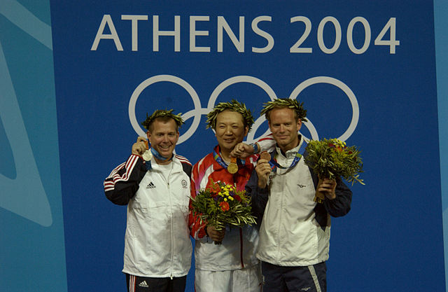 640px-2004_Olympics_medal_ceremony_for_the_Men's_50m_Three-Position_Rifle_Competition