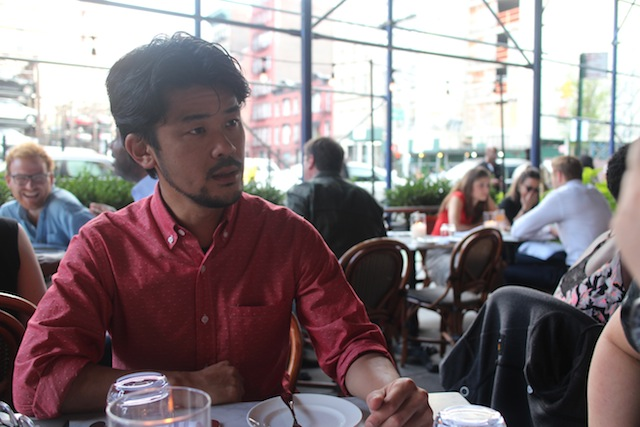 奥西さんの職場近くの、NOHOのカフェにて